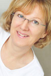 Paula Mayer; Zahnmedizinische Verwaltungsangestellte